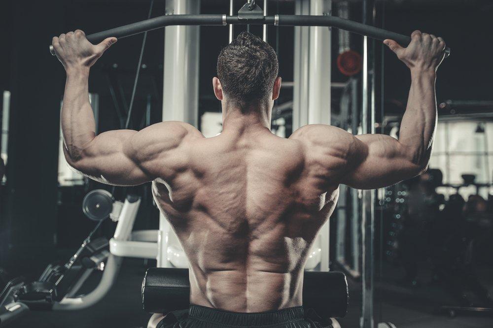 Особенности выполнения упражнений на плечи
