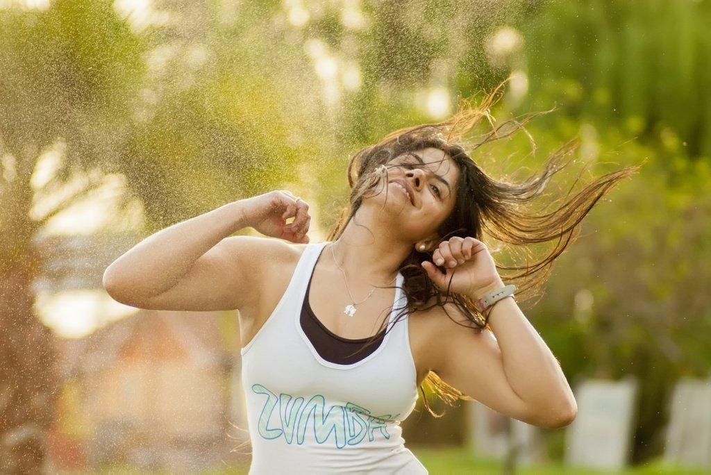 Прыжки для бодрости и здоровья: «Джампинг Джек»