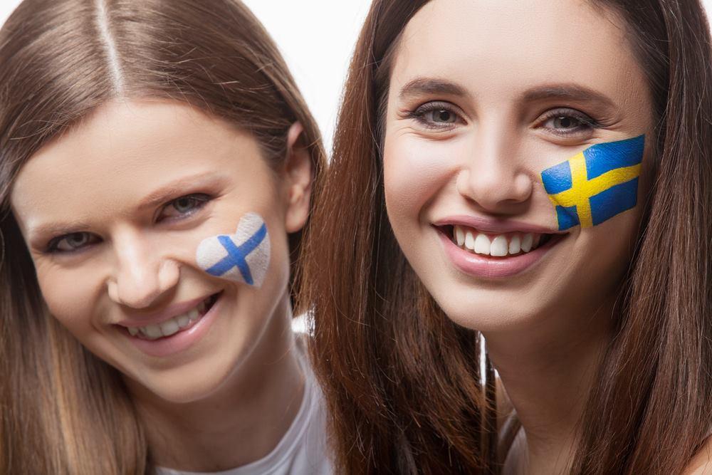 Швеция: платиновые волосы и едва заметный макияж
