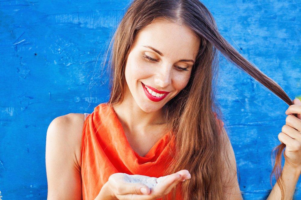 Применение сухого шампуня для волос