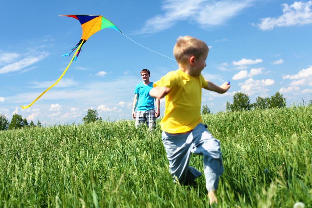 Вместе с детьми запускаем воздушного змея