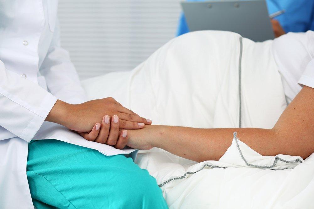 Миф №1. Акушер-гинеколог может выполнить кесарево сечение по желанию женщины.