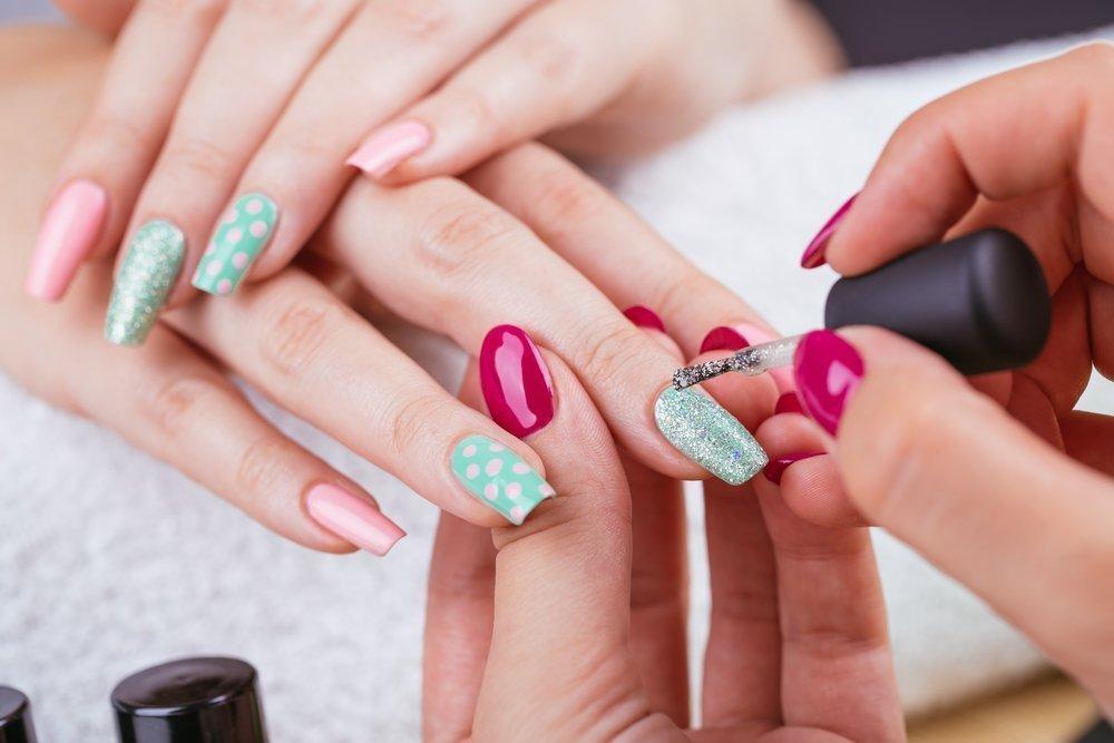 Всем ли подходит покрытие ногтей гель-лаком?