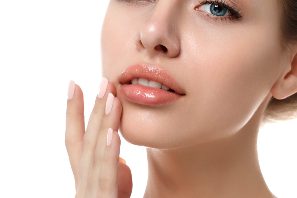 9. Не забудьте про кожу губ