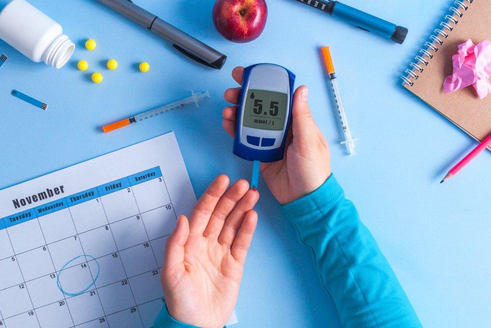 Контролировать уровень глюкозы в крови