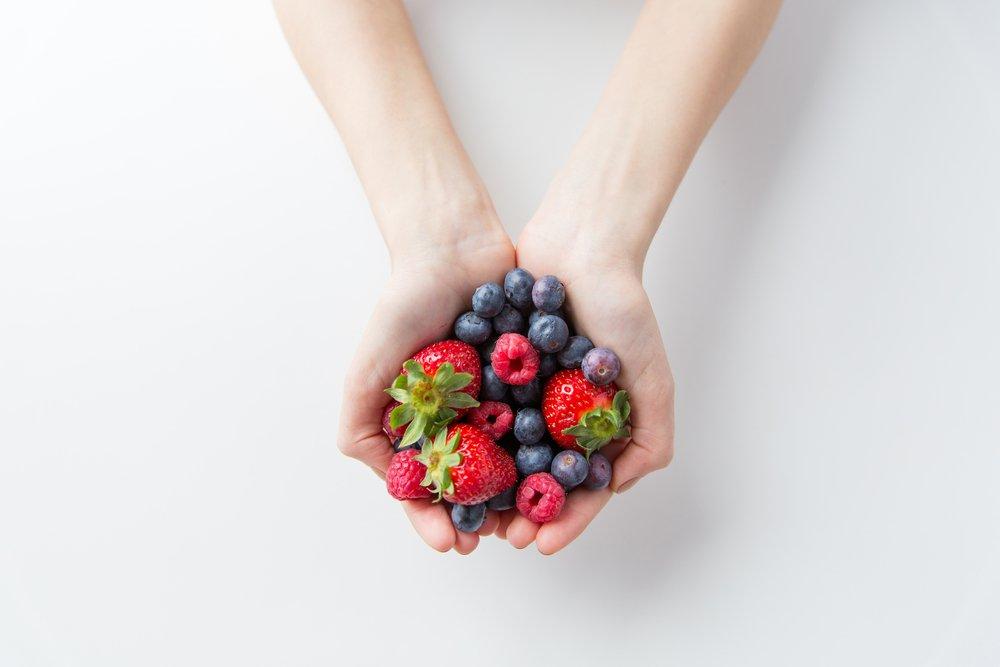6 самых полезных ягод для кожи лица