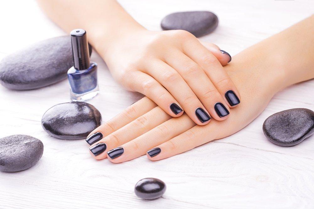 Чего не должно числиться в лаке для ногтей?