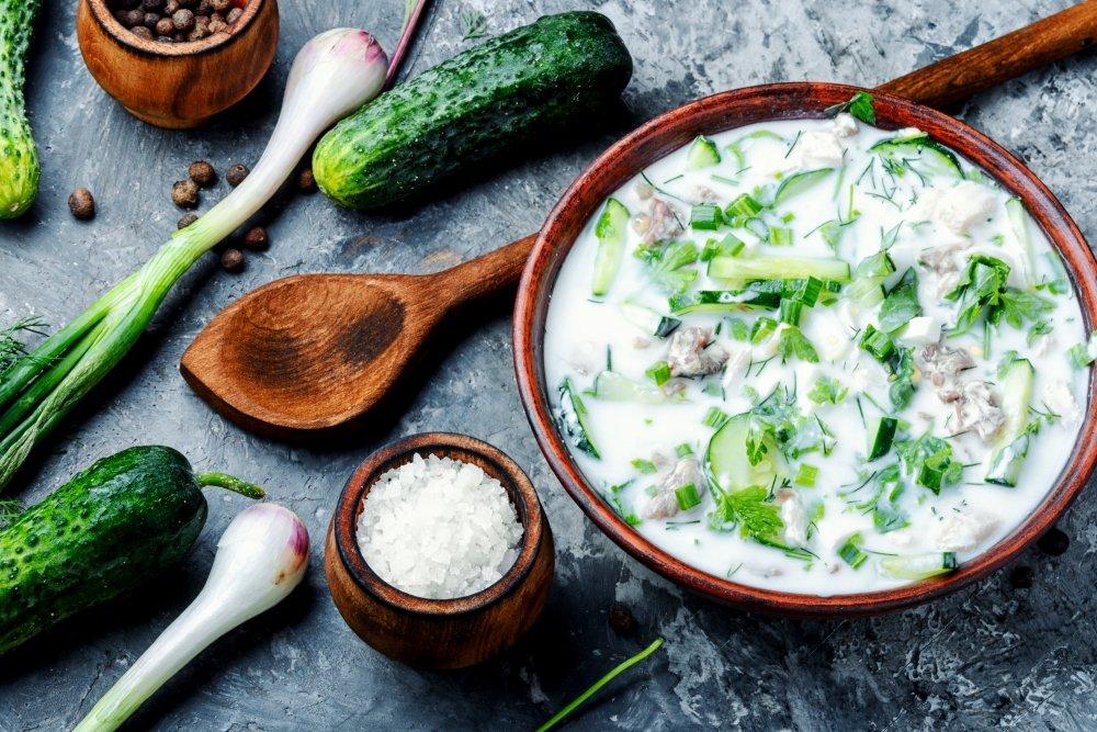 Как приготовить холодный суп с кефирной заправкой?