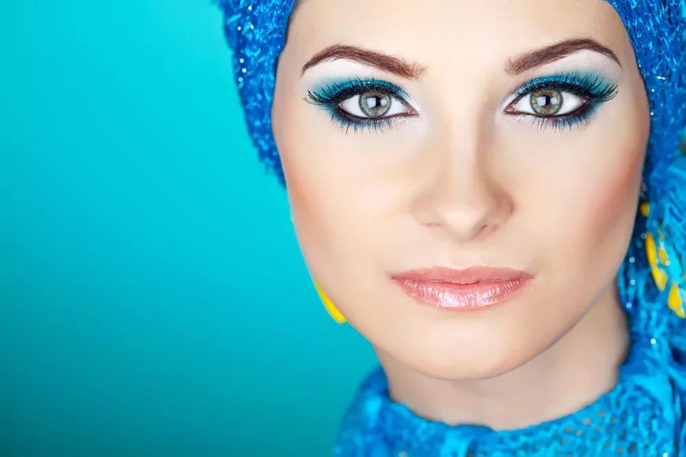 Сомнительная косметика: голубые тени для век