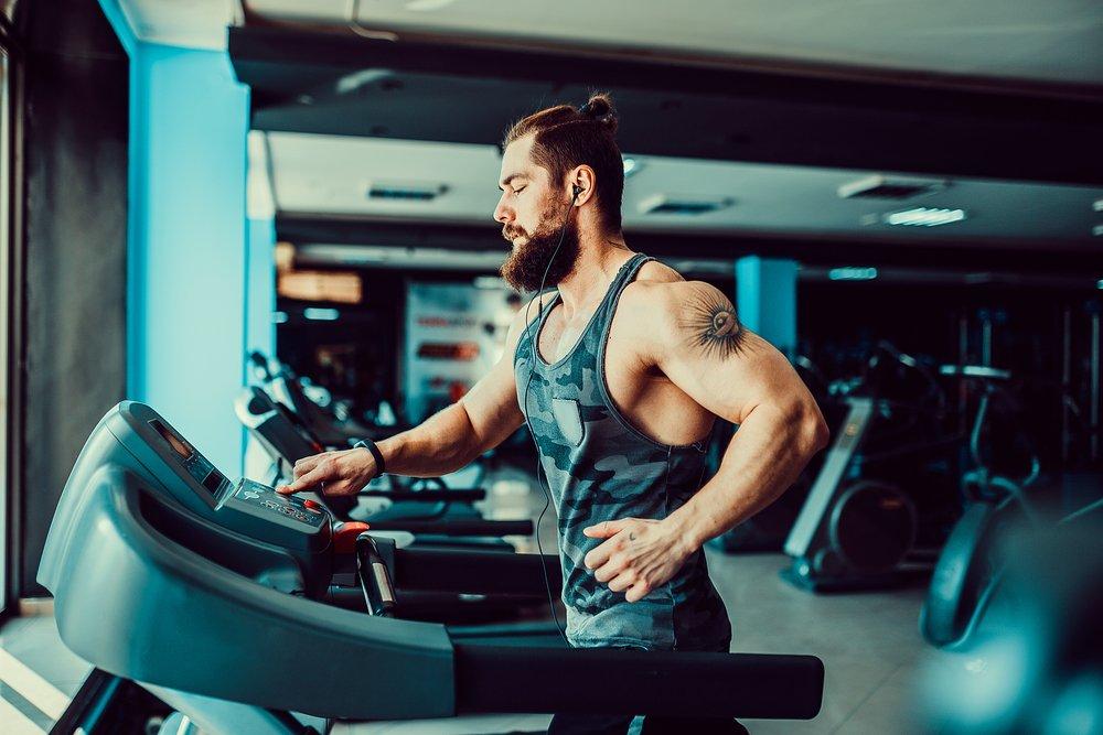 Польза фитнес-тренировок на беговой дорожке