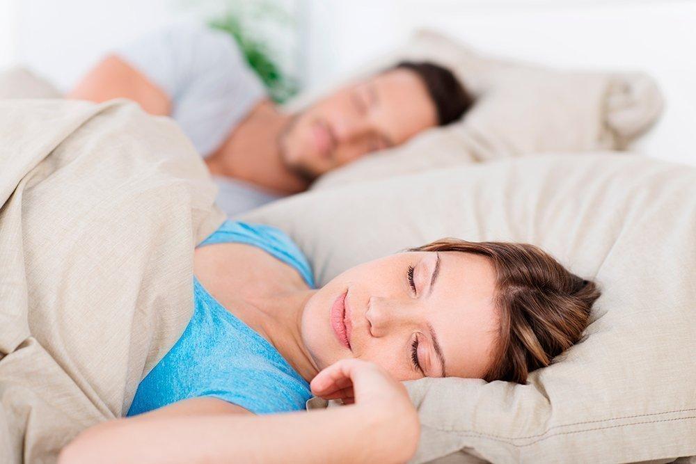 1. Высокое положение головы во время сна