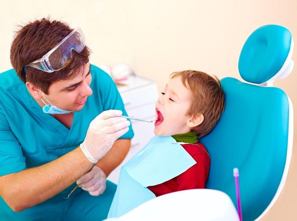 Травмы молочных зубов у детей