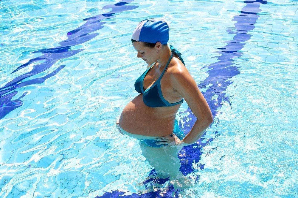 Фитнес в воде: комплекс упражнений при беременности