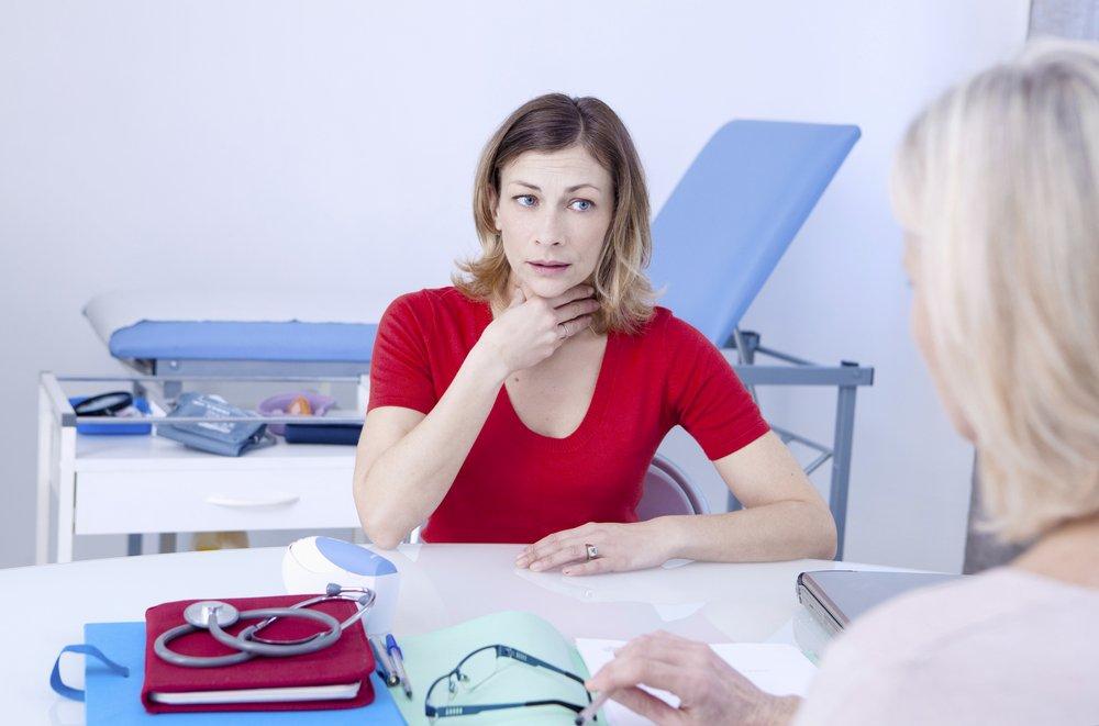 Длительное першение в горле: возможные заболевания у взрослых