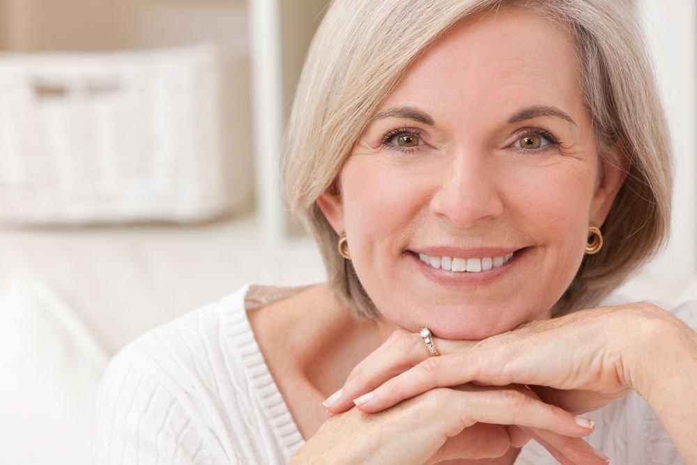 Красота и здоровье седых волос: правила ухода