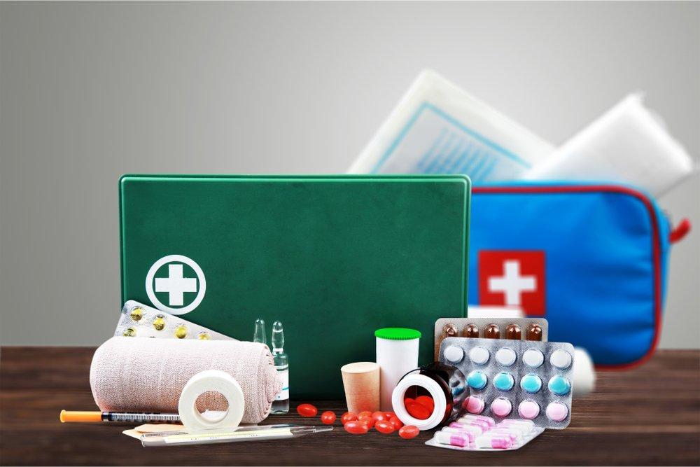 Таблетки, капли, спрей — какие медицинские препараты подойдут для детской аптечки