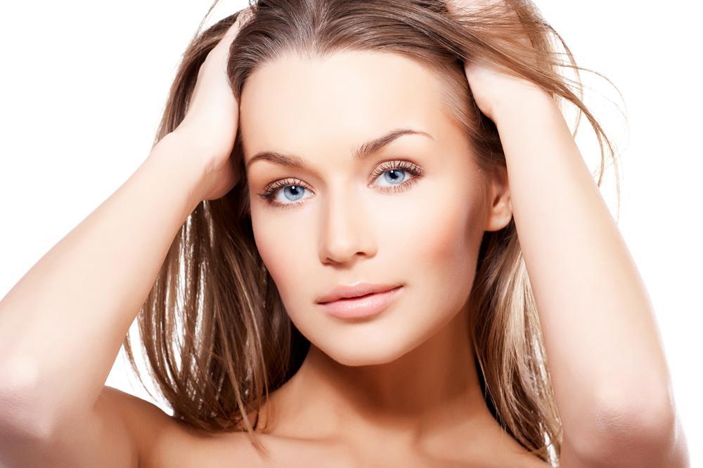 4. Привычка теребить волосы