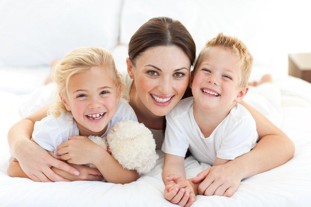 Детей может воспитывать только мать
