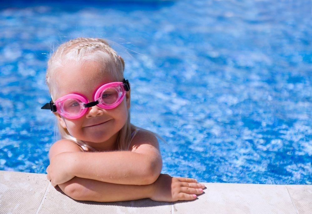 Чем опасны водные инфекции для детей?