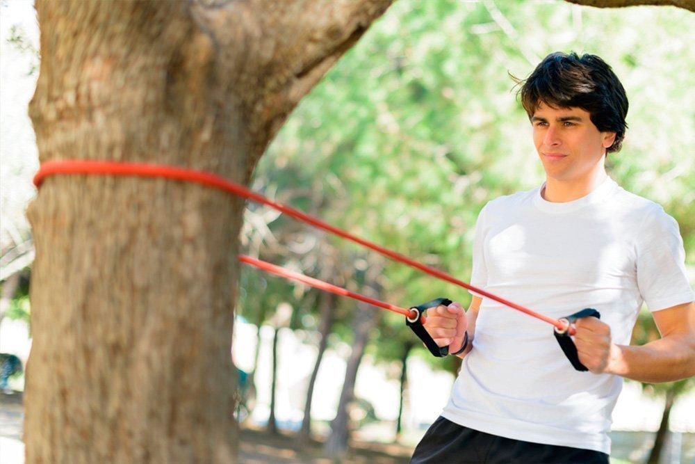 Фитнес-упражнения со жгутом для развития силы