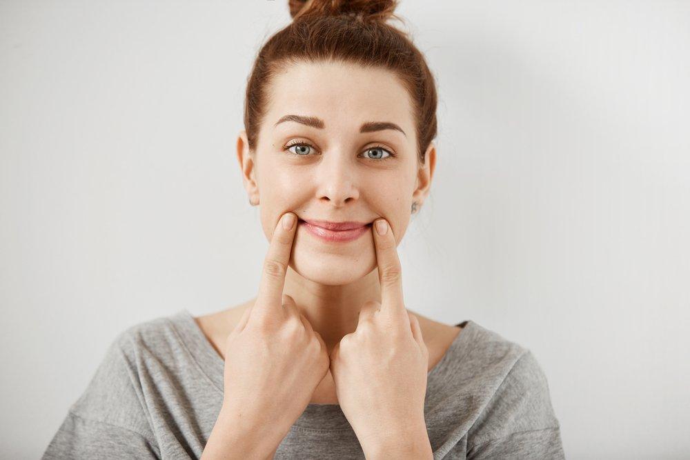Упражнения против морщин в области рта