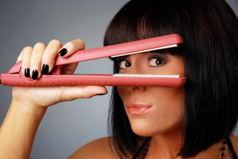 Гладкие волосы с помощью термоприборов