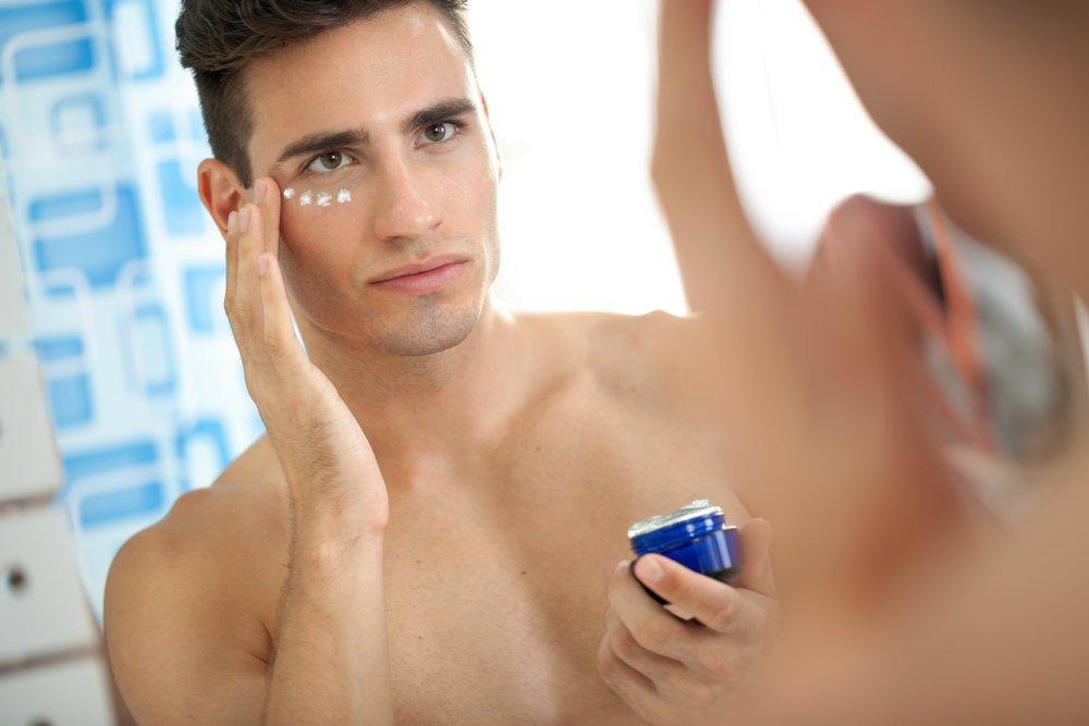 3. Купите средство для кожи вокруг глаз
