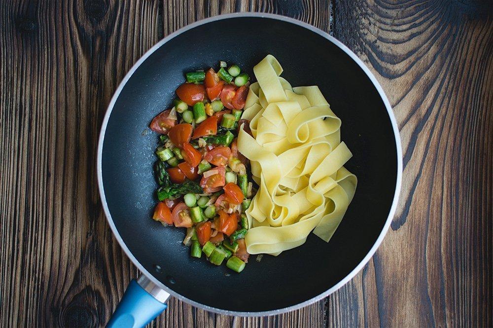 Какие продукты питания следует употреблять в обед?