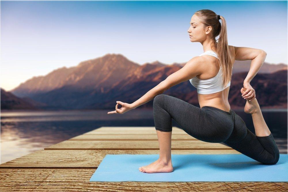 Позы йоги и медитация для достижения Божественного