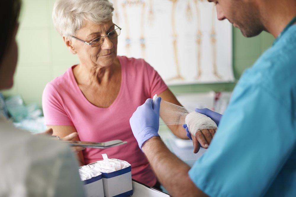 Как лечить фурункул: медикаменты, аутогемотерапия, физиопроцедуры