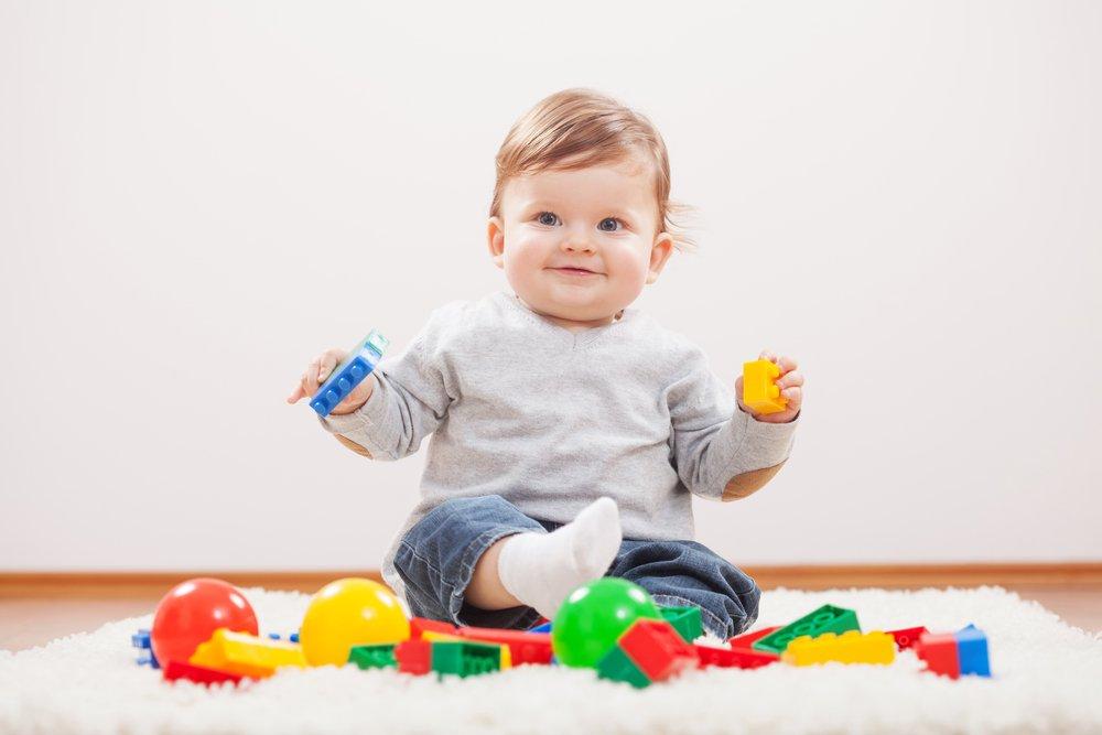 Игрушки, игры и занятия для детей 7-9 месяцев