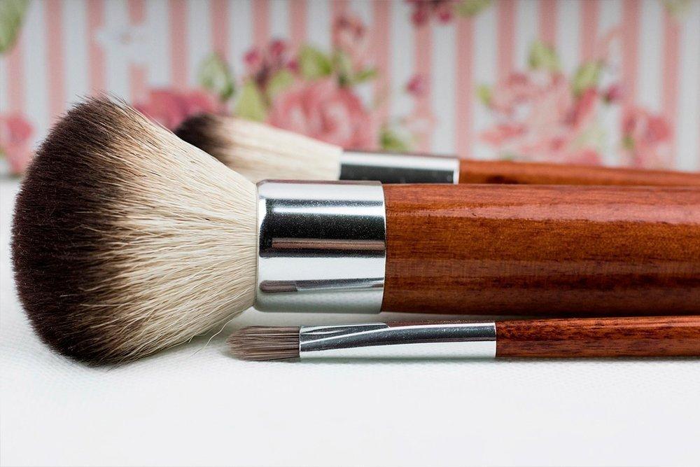 Почистить кисти для макияжа