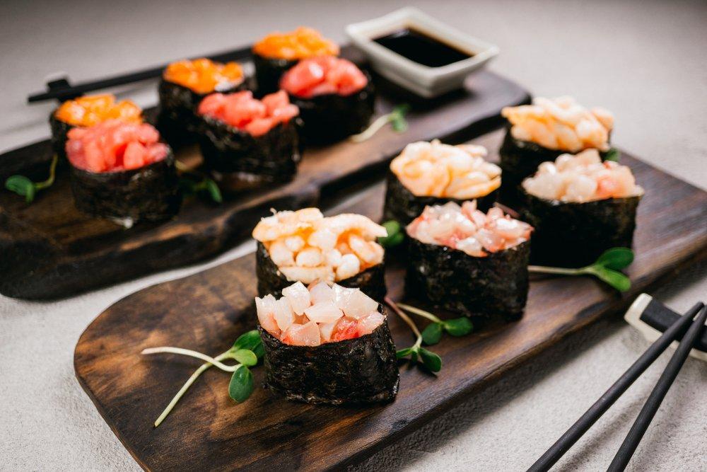 Стейки и суши