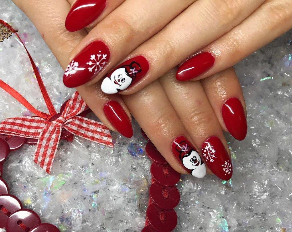 Наращивание ногтей дизайн ногтей в красном цвете