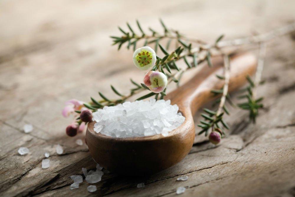 Использование полезных качеств соли для красоты и здоровья