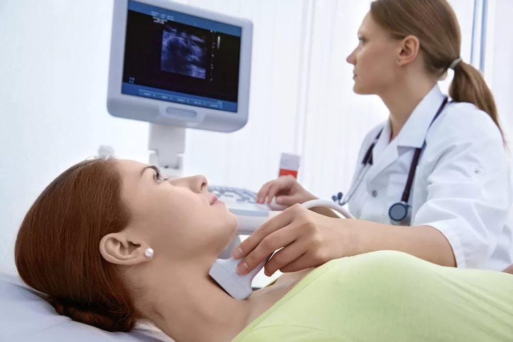 Проявления со стороны щитовидной железы, надпочечников и других желез