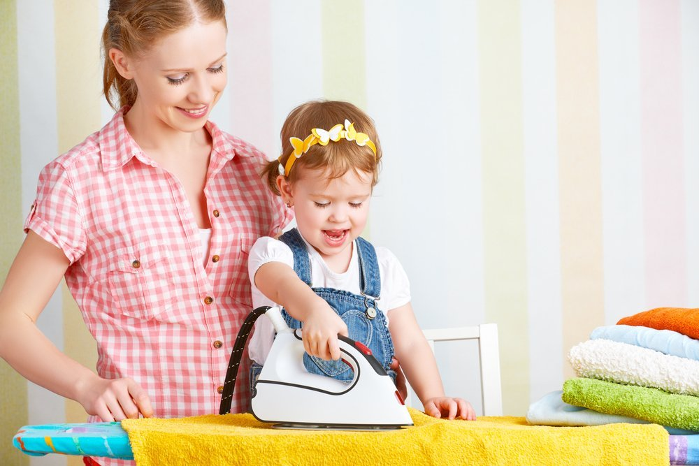 Привлекайте малыша к домашним делам