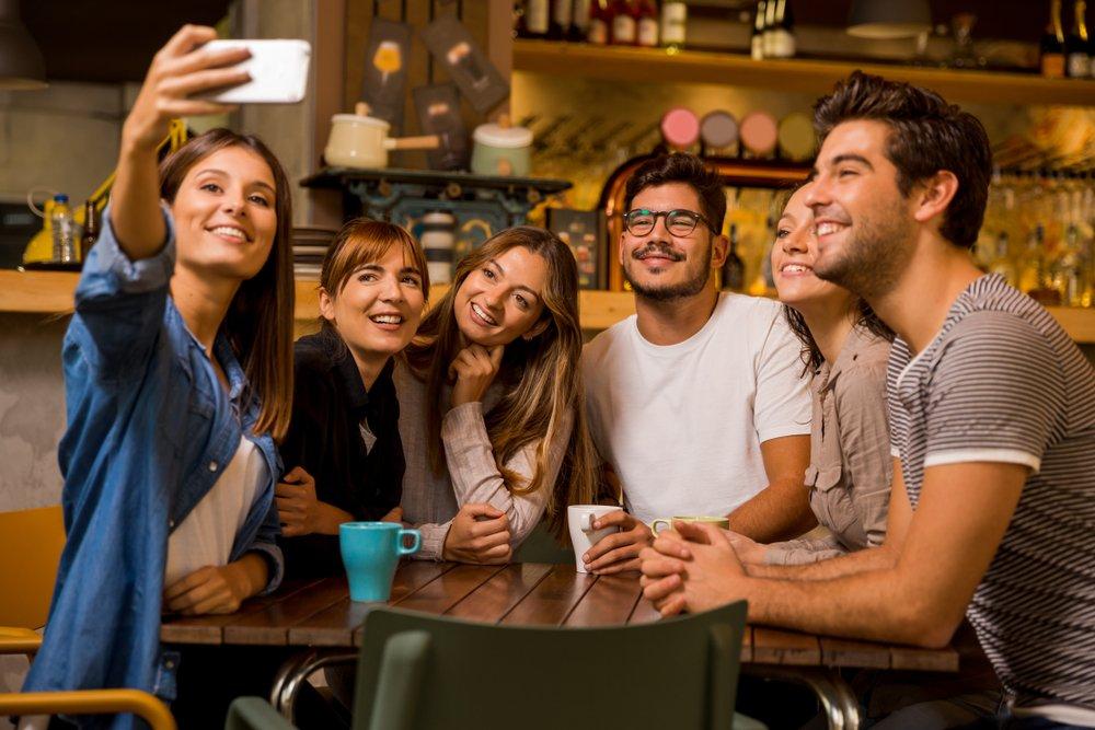 Можно ли взрослым сохранить хорошую дружбу и завести новых друзей?