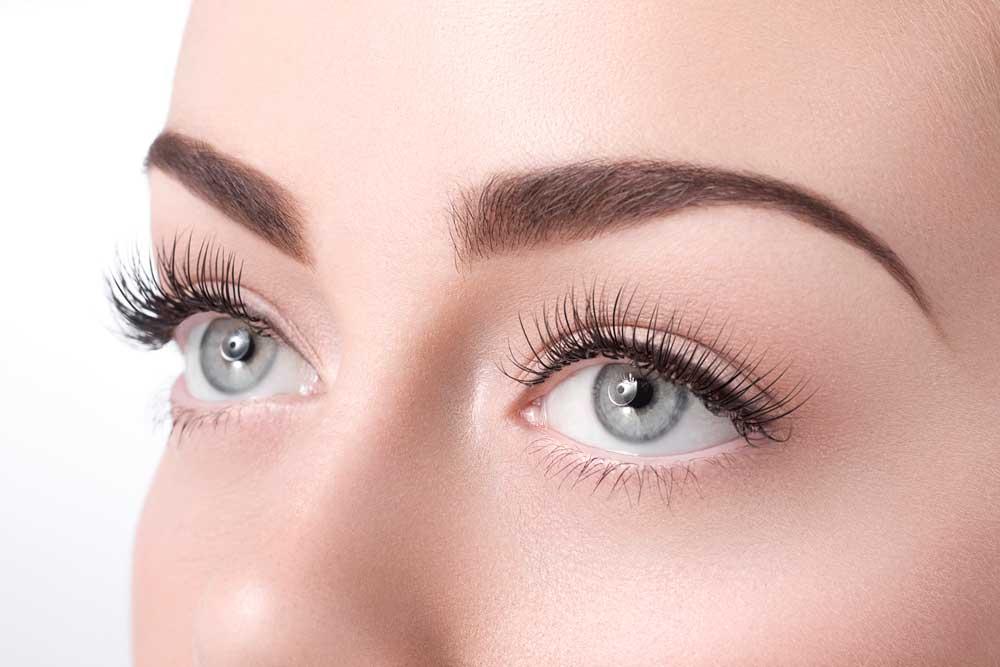 Секреты красоты современных женщин: преимущества перманентного макияжа