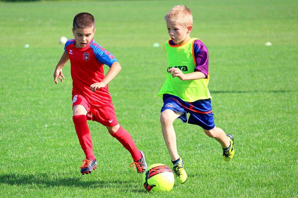 football-3828278_1280.jpg
