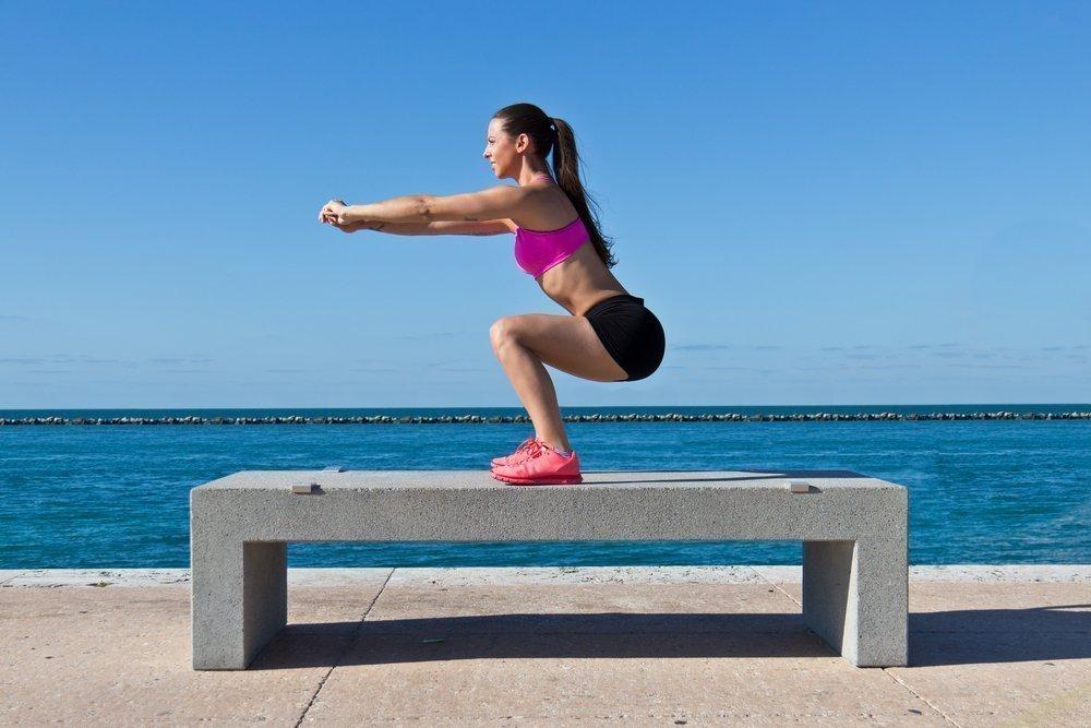 Тренировки для похудения: делаем приседания правильно