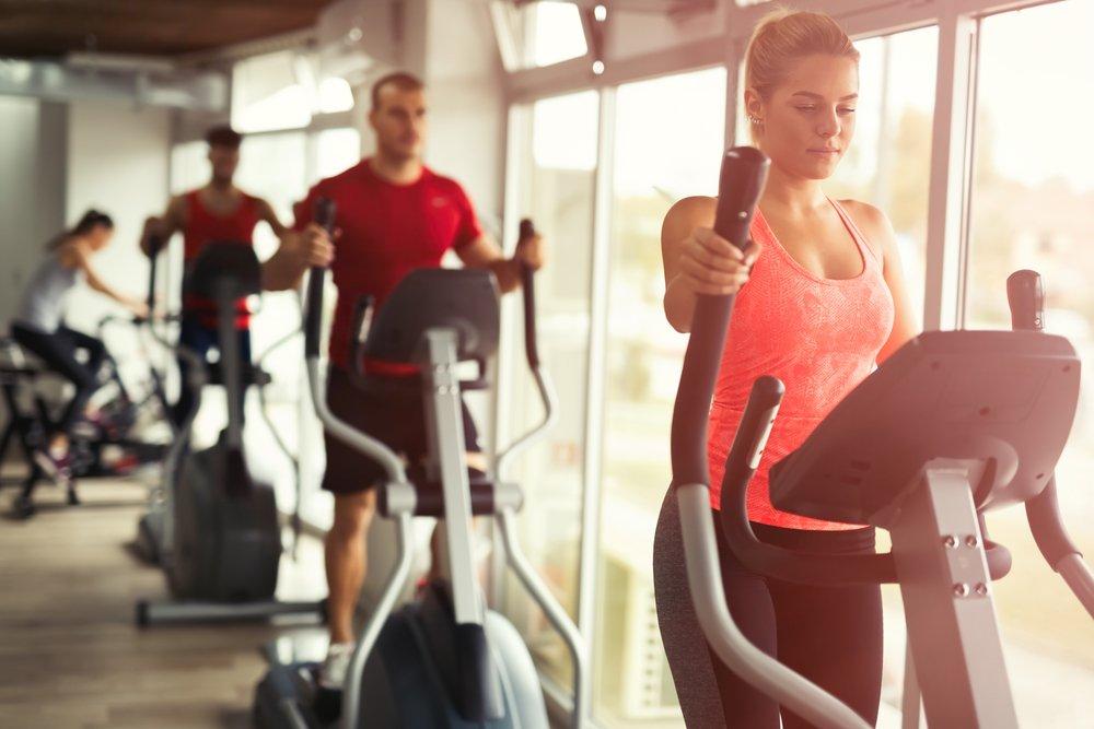 Эллиптический тренажер: польза для похудения
