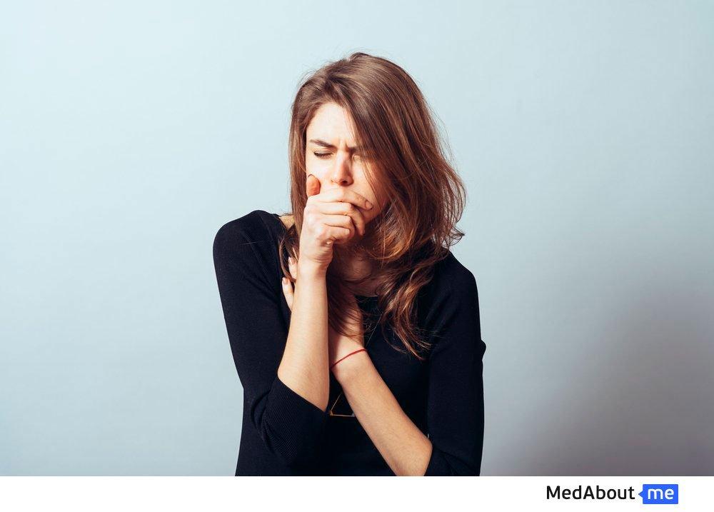 Першение в горле и кашель: причины и лечение