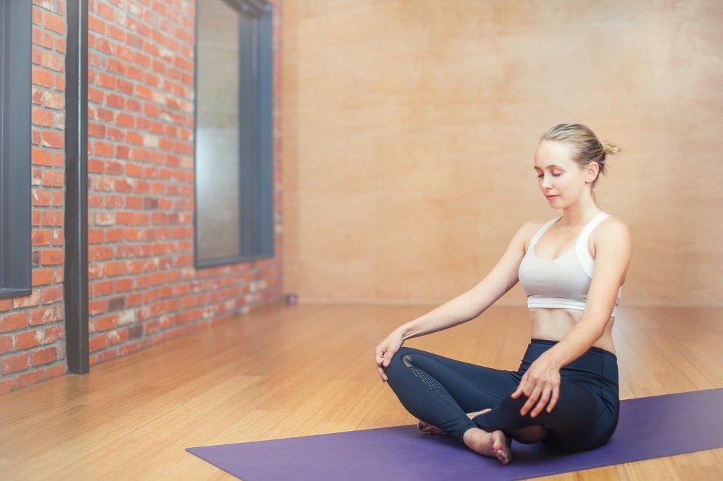 Медитация — одна из главных частей йоги