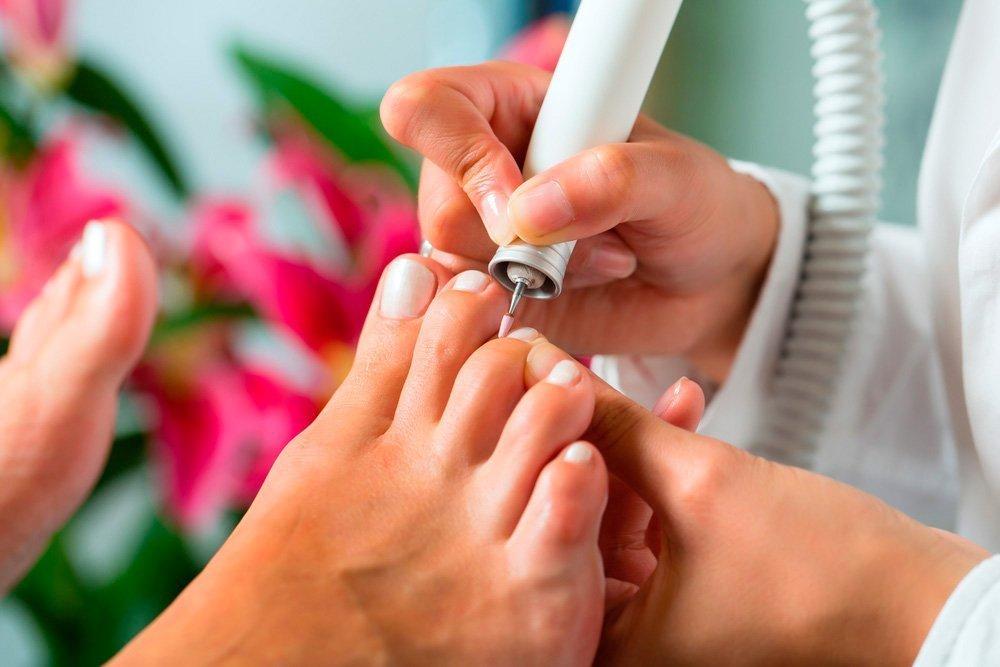 Педикюр — профилактическая процедура для кожи ног