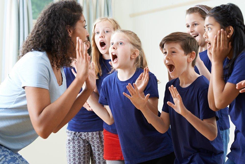 Спортивная секция или театральный кружок: выбор родителей