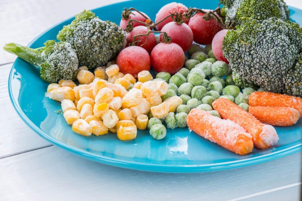Опровергаем мифы о замороженных овощах и фруктах