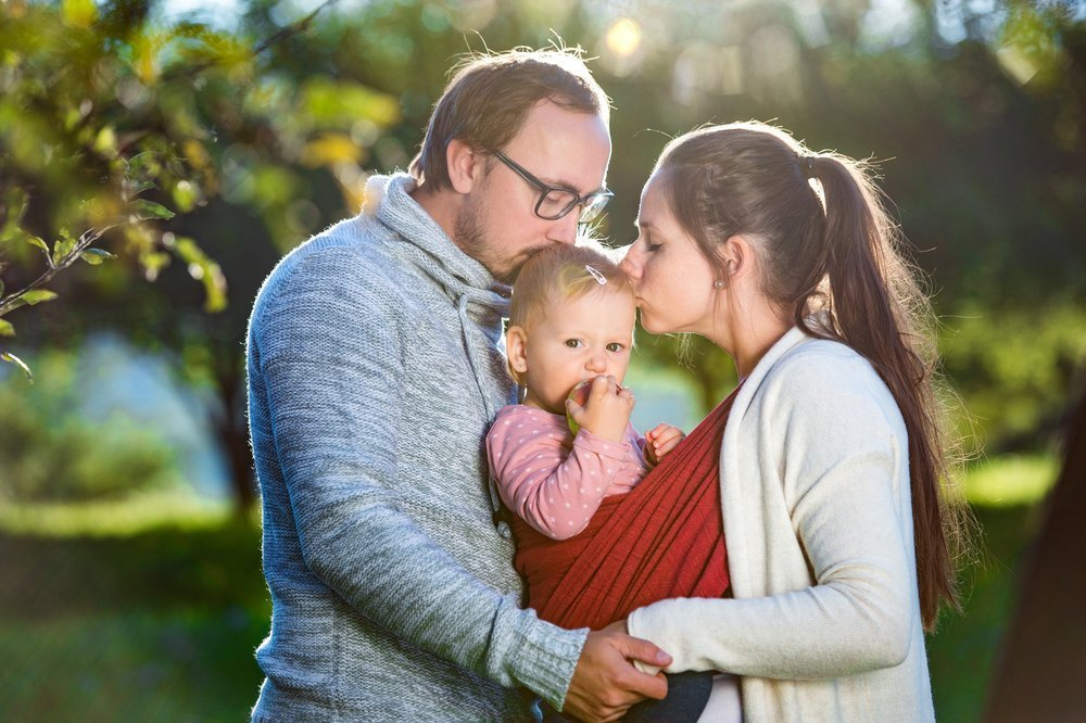 Малыш с мамой и папой