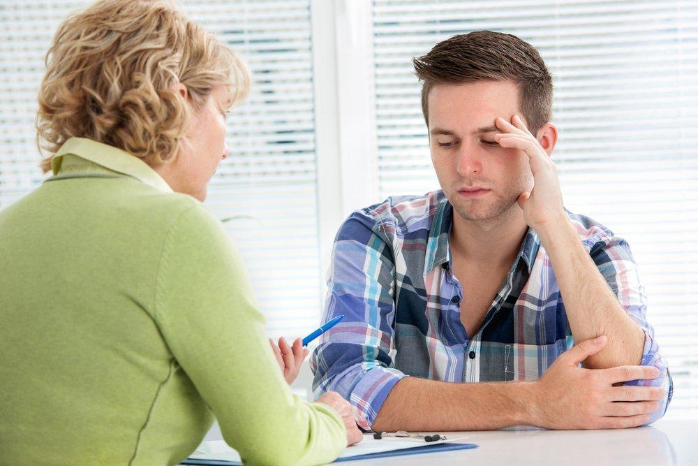 Симптомы гипотиреоза: слабость, запоры, выпадение волос
