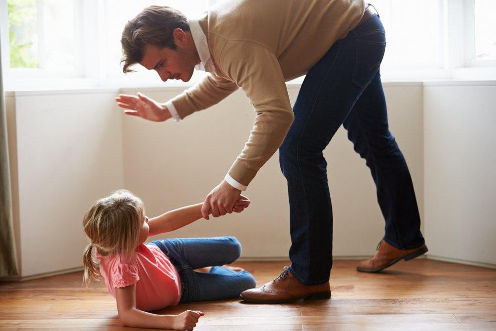 Привычка бить ребенка